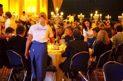 Wir kümmern uns um Ihre Feier! Fragen Sie uns, wenn es um Ihre Feier geht! Denn, Sie kümmern sich um Ihre Gäste, wir um Ihre Feier!
