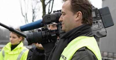 Zielgruppengerechte Filme Ob Werbe- oder Imagefilm, Produkt- und Schulungsfilm, Industrie oder Handel, informierend oder begeisternd - mit qualifizierten Mitarbeitern, konzipieren und produzieren wir ansprechende und zielgruppengerechte Filme.