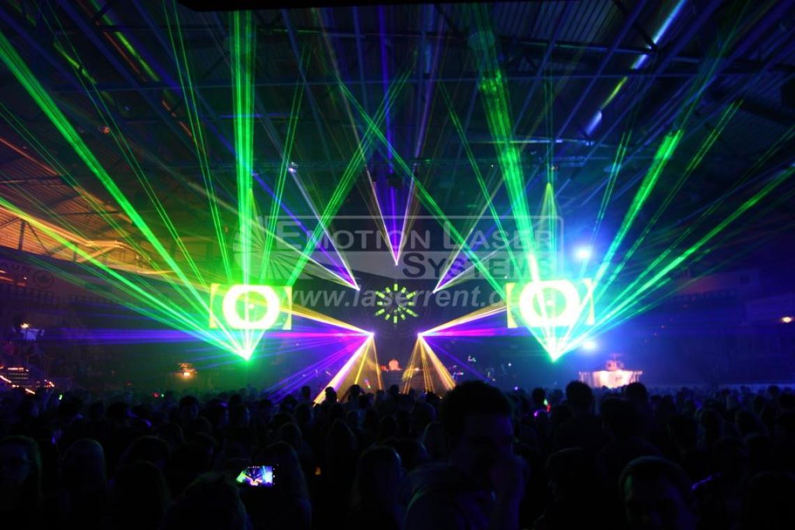 WinterBeats Ingolstadt Jährliche Lasershow bei süddetuschlands größtem Indoor-Festival.