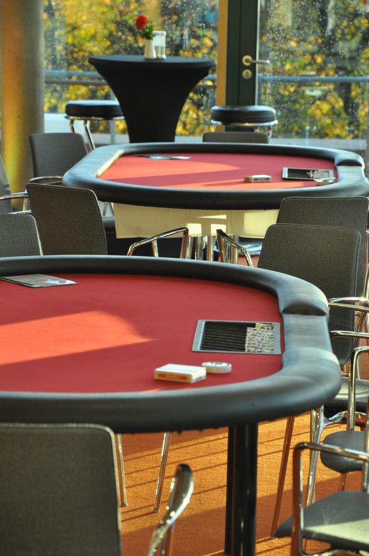 Pokertische mieten Mieten Sie sich unsere eleganten Pokertische und veranstalten Sie ein Pokerturnier.