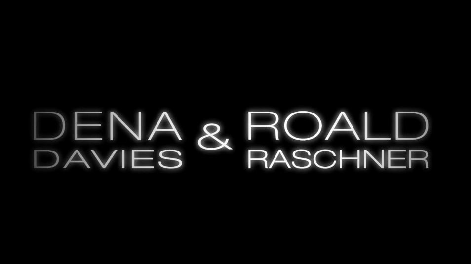 Video: Dena Davies & Roald Raschner Livemix (Someone like you, Conga, Please don't stop the music)