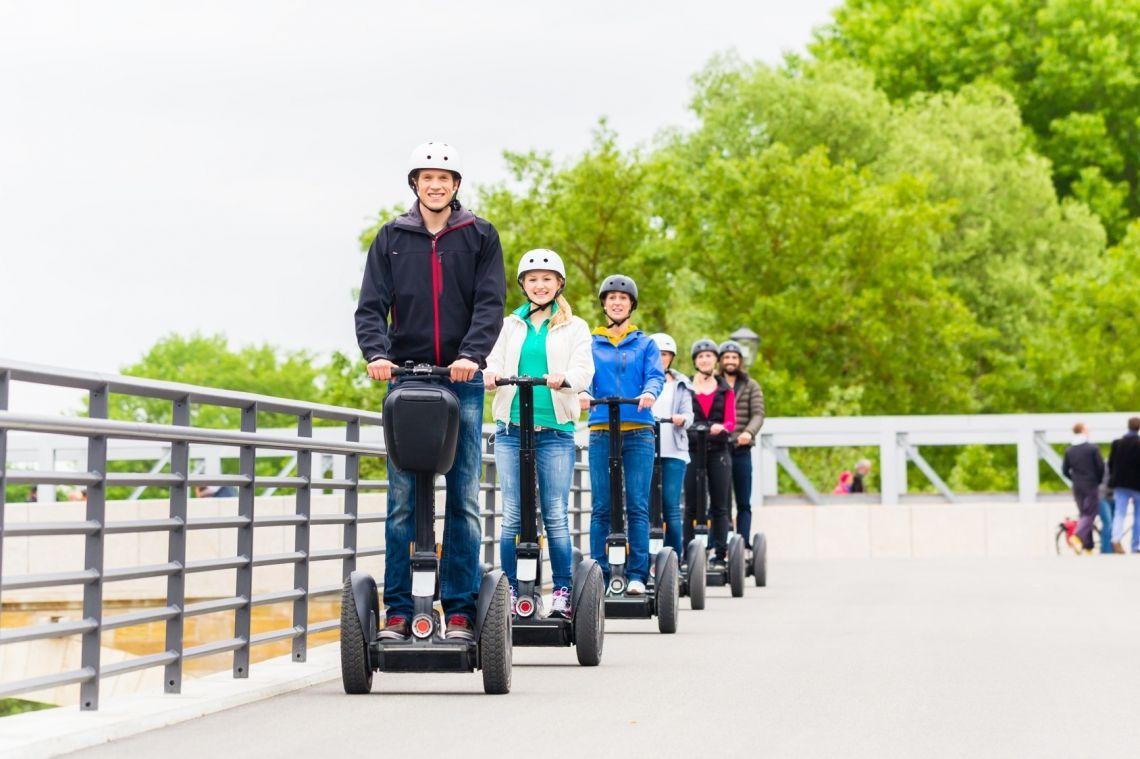 der Weg ist das Ziel • Walk • ConferenceBike • Segway, TukTuk • eMobil • Drachenboot • Bimmelbahn • Rikscha • Kettcar • Aufsitz-Rasenmäher