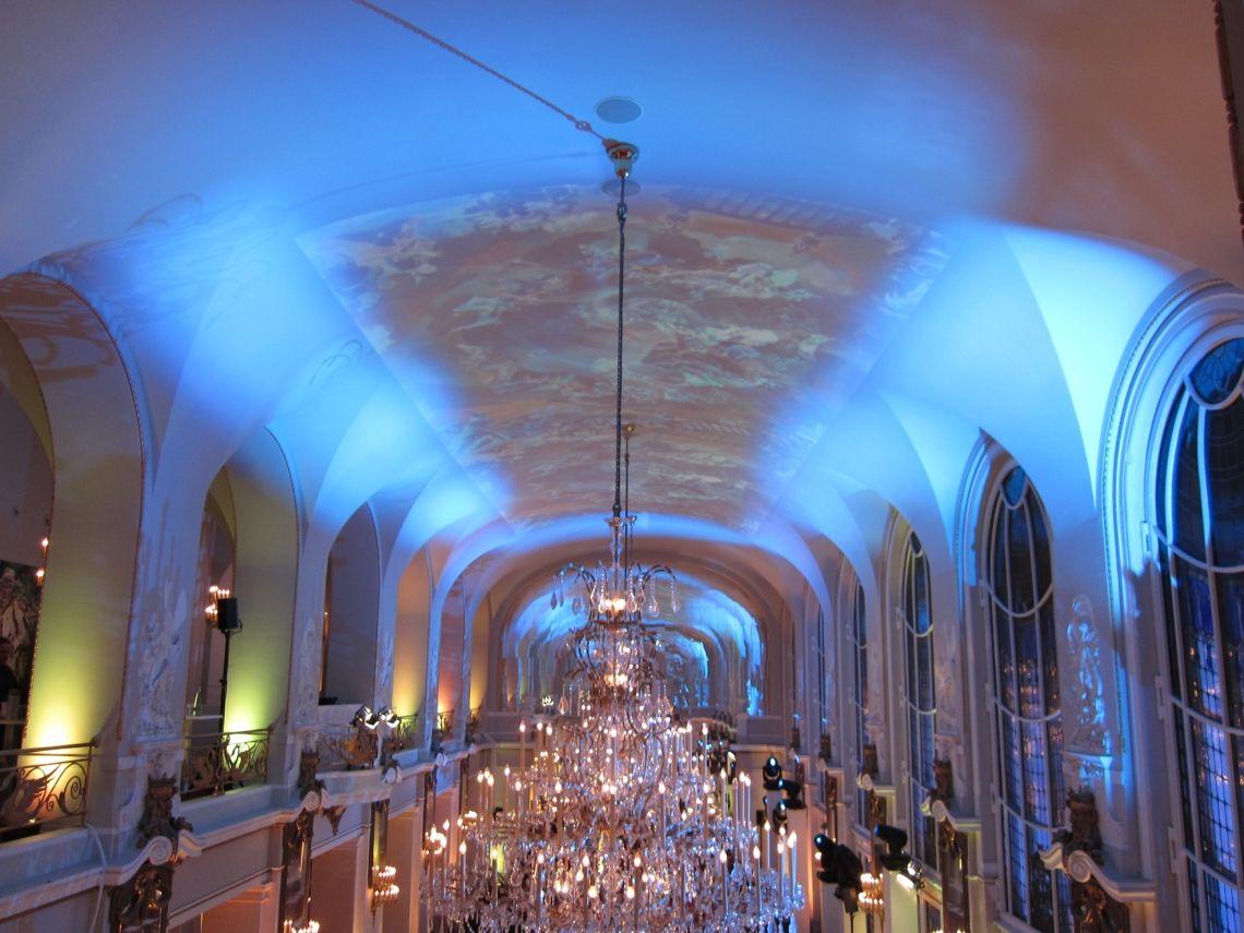 VJ Deckenprojektion, VJ Instalation, Club & Event VJing Admiralspalast in Berlin mit riesiger Deckenprojektion