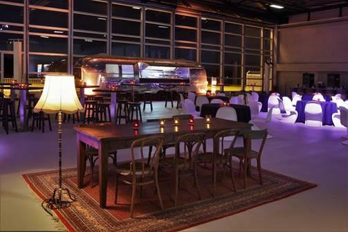 Konferenz im Hugo Junkers Hangar