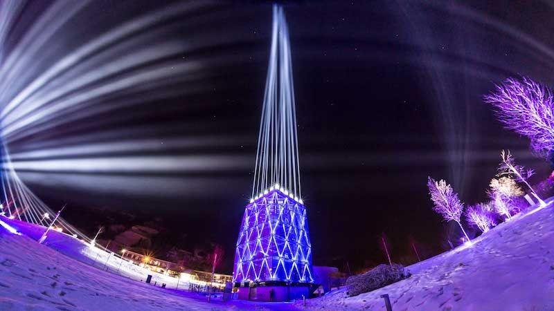 satis&fy setzt Lichtfestival in den Swarovski Kristallwelten in Szene