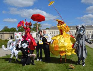 Atemberaubende Akrobatik, famose Comedy, poetische Momente und Zauberei