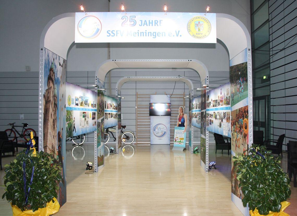 Ausstellung für Sport- und Presseball