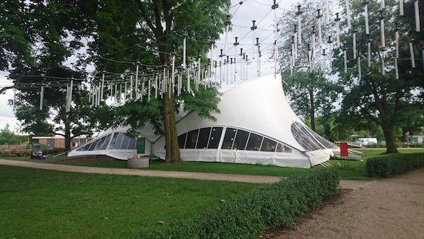 Eine Opera als Christuszelt auf der diesjährigen Luther-Weltausstellung