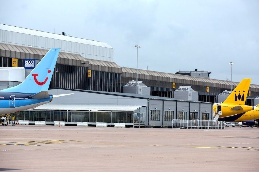 Losberger De Boer baut Airport Lounge