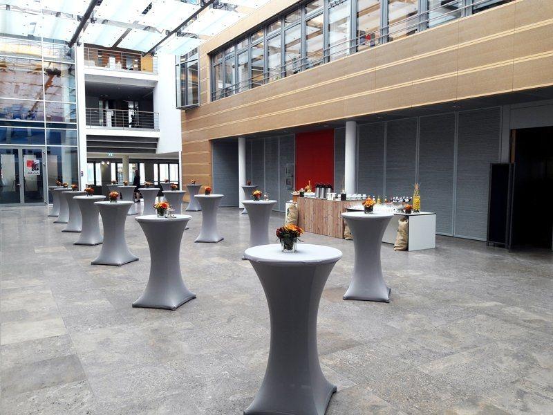 Köstlicher Aufwand bei der IZA-Konferenz im dbb forum berlin