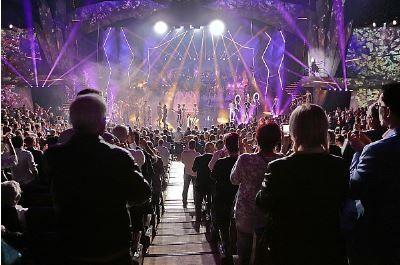 Eine Liebeserklärung an das Leben: Die VIVID Grand Show feiert ihre Weltpremiere in Berlin