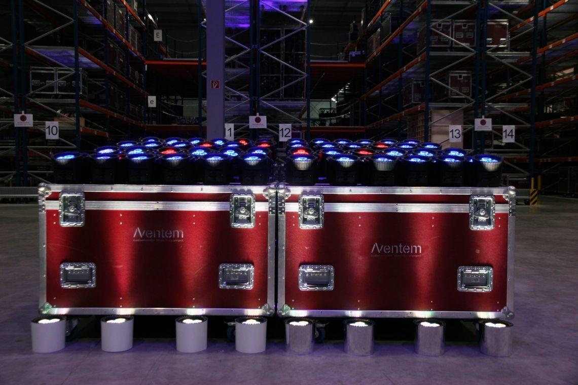 NEU: GrandMA 3 Serie und Astera AX5 Akku LED Spots
