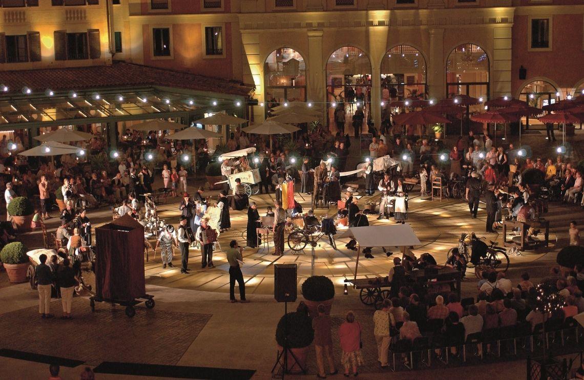 "Museum mal anders - Italienisches Straßentheater mit ""Le Arti per Via"" im Europa-Park"