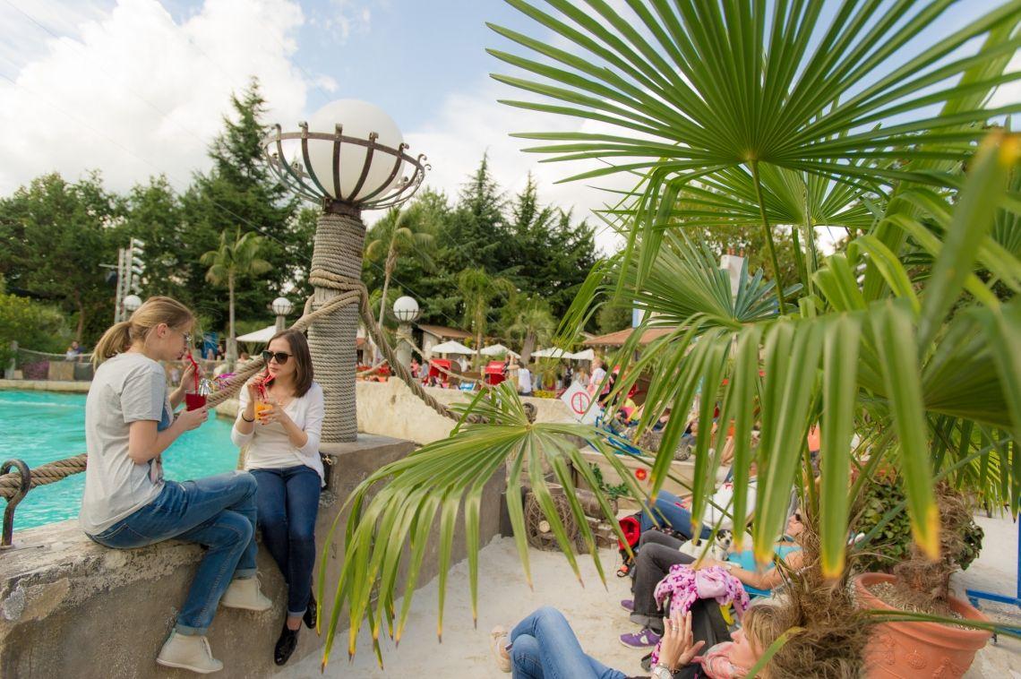 """""""Rulantica Beach Club"""" lädt zum Entspannen ein – Sommer, Sonne und Strandfeeling im Europa-Park"""