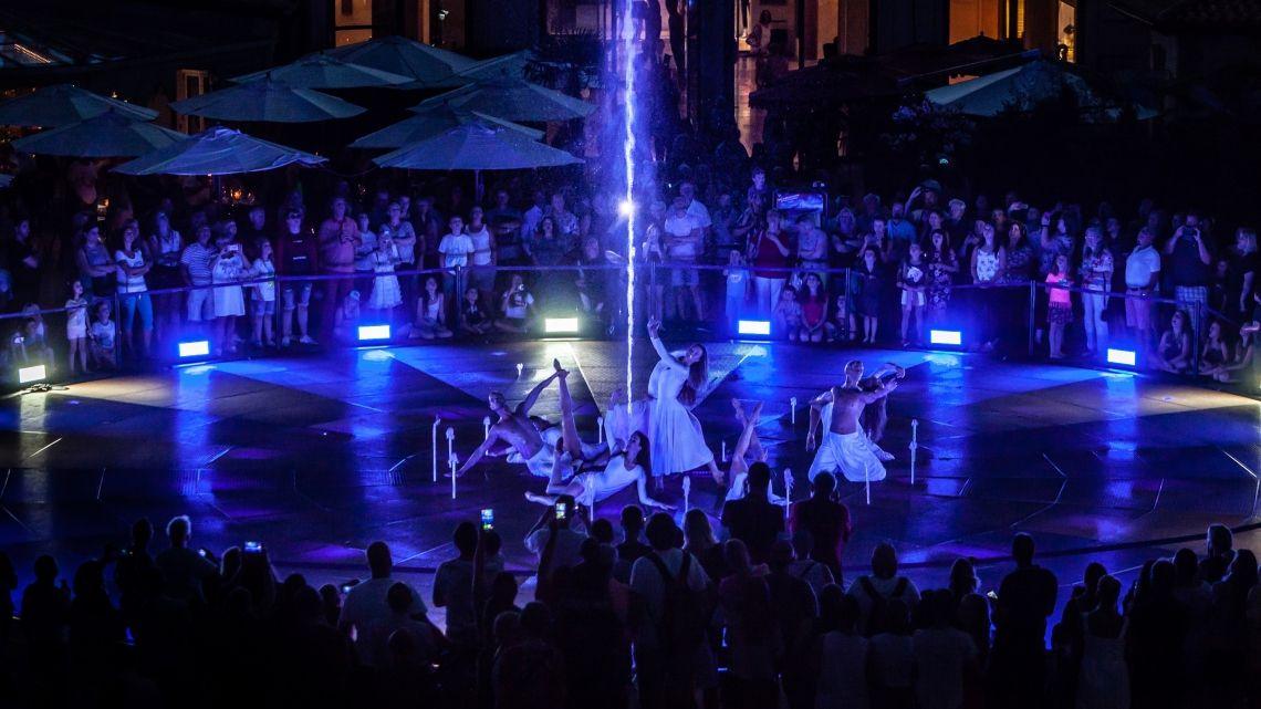 """Über Italien nach Rulantica: Sommershow """"Colossal: il viaggio per Rulantica"""" begeistert im Europa-Park"""