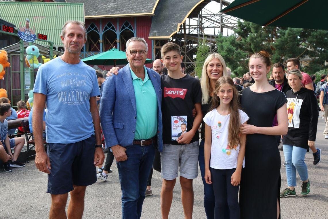 14-jähriger Achterbahnbauer zu Besuch im Europa-Park