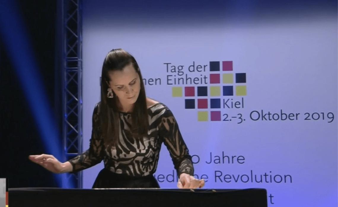 Sand Malerei Show Hamburg LIVE im ZDF – Tag der Deutschen Einheit 03.10.2019