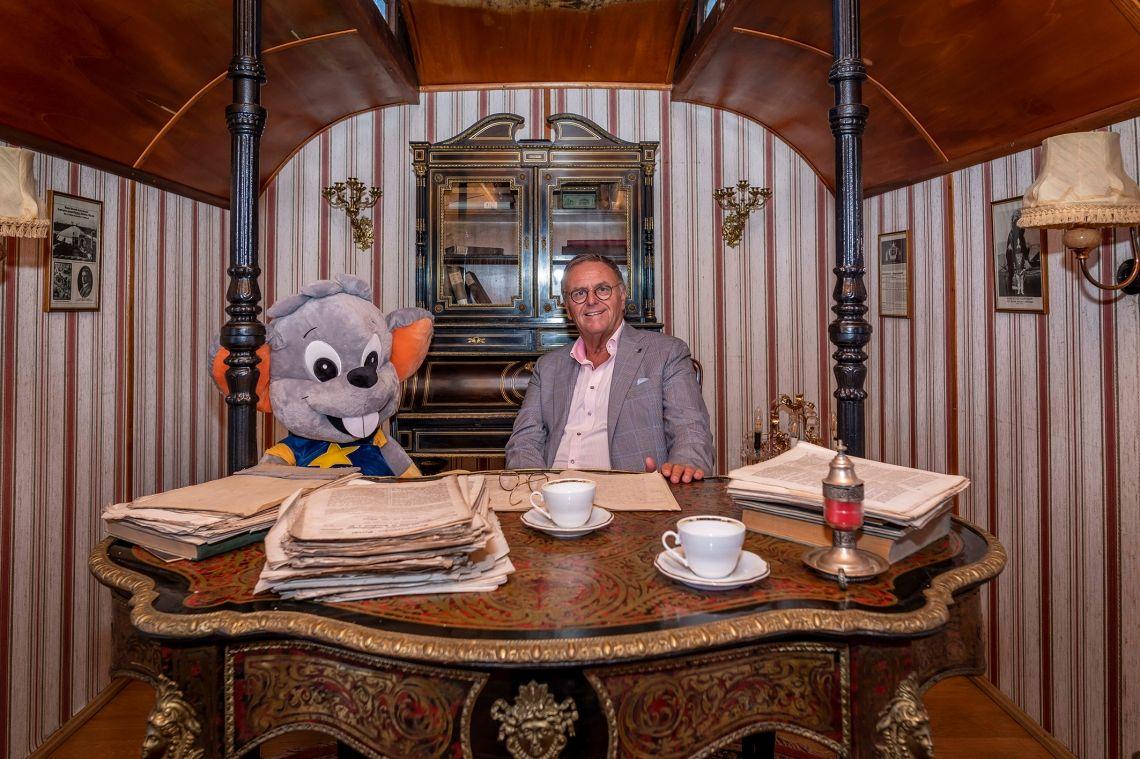 Roland Mack zeigt große Verbundenheit zur Zirkus- und Schaustellerbranche