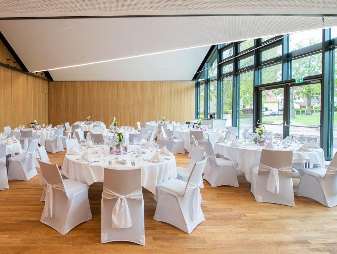 Hochzeitsfeiern im modernen Ambiente der FILDERHALLE