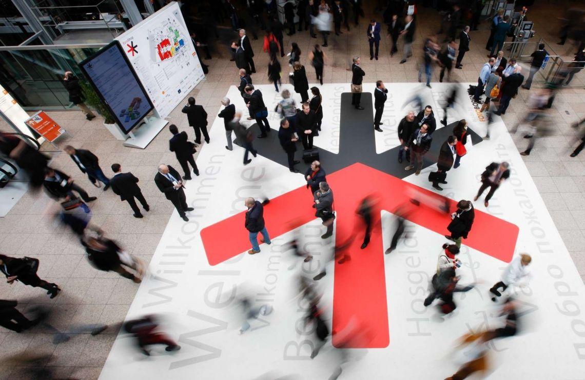 FOTOBODEN™ mit größter Fläche auf der EuroShop 2020: Nachhaltig beeindruckend im Ladenbau, am POS und auf Messen