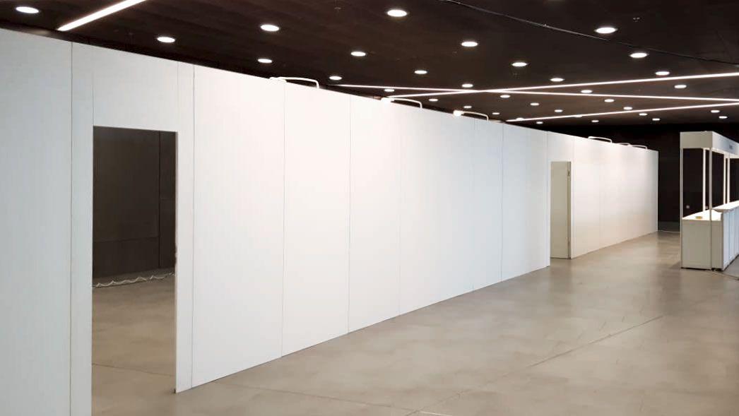 Verkaufsraum auf 800 m² verkleinern? Trennwandsystem mieten!