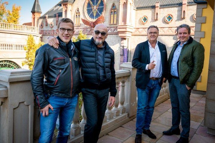 Erlebnisexperte testet Weltneuheit YULLBE: Jochen Schweizer auf Entdeckungstour im Europa-Park