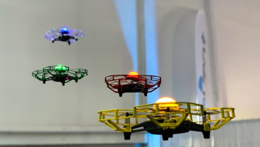Jetzt 4 Drohnen online steuern!