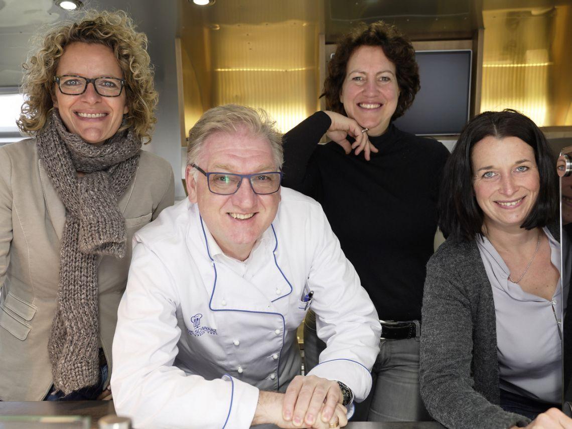 """Gelungene Präsentation der neuen FSGG-Marke """"S*CHEFs Culinary System"""": Messeexpertinnen informierten sich vor Ort"""