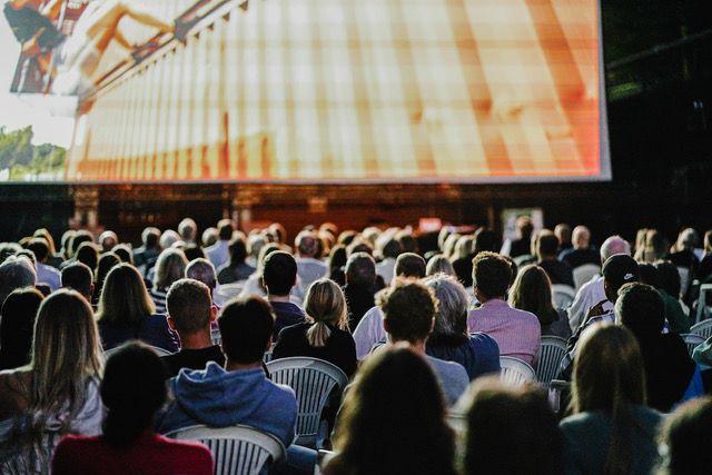»URBANATIX HOME« – Ganz Bochum wird zur Bühne Premiere des einzigartigen Filmprojekts im Fiege Open Air Kino