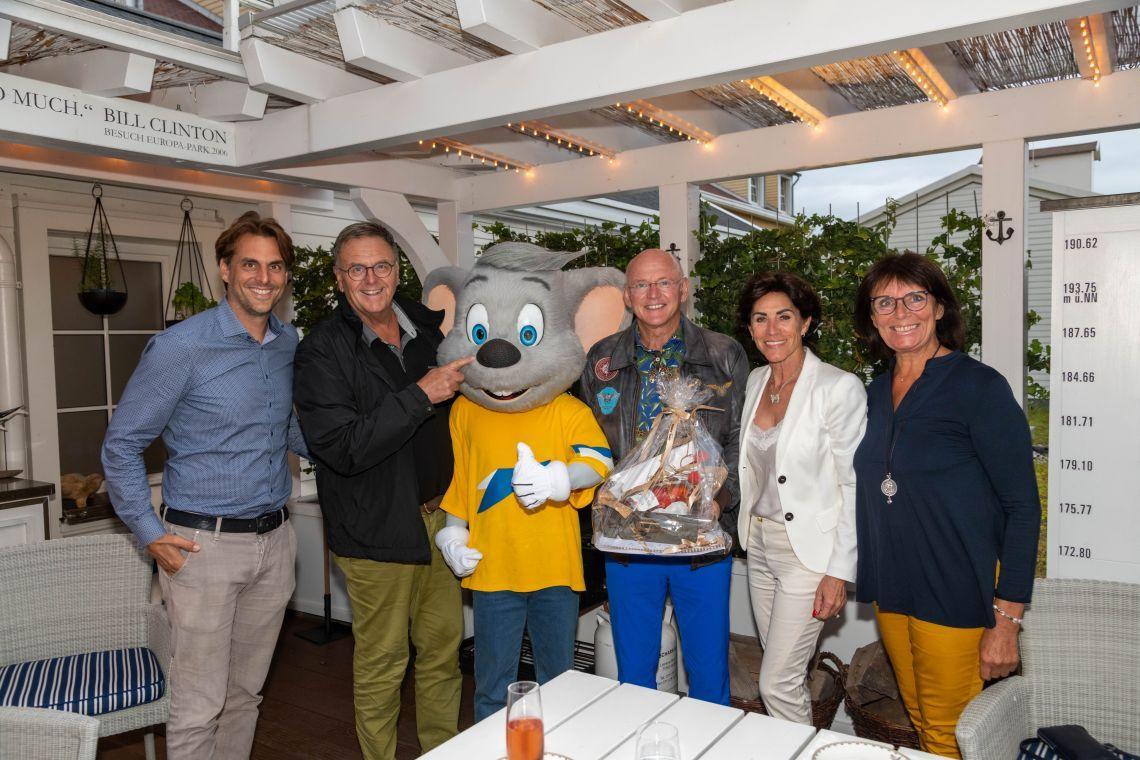 Alte Freundschaft seit Jahrzehnten: Zirkus-Ikone Rolf Knie feiert seinen Geburtstag im Europa-Park