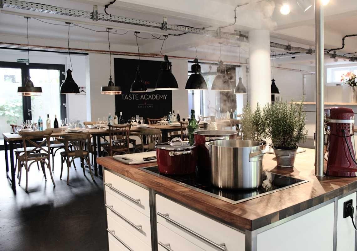 Ellen Kamrad kooperiert mit Miet-Kochstudio für Events