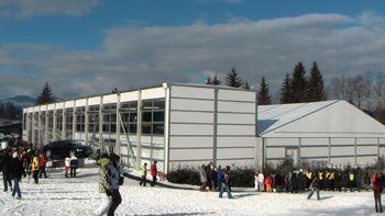 Event-Spektakel in Kitzbühel - Neptunus setzt Raumlösung Evolution auf Hahnenkamm-Rennen ein