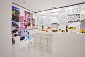 Dienstleister für Event- und Messetechnik baut Kaminzimmer des Intercontinental Hotel Berlin um