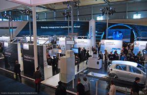 HANNOVER MESSE 2011: Beeindruckende Projektion bei der Eröffnungsfeier