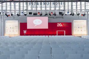 """1000 weiße Stühle für """"LeadAward 2012"""""""