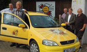 Sonniges Gelb für Auto der Tafelrunde