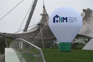 Standballon für Münchner Immobilienmesse