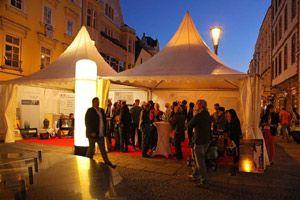 Modewoche in Wels mit Mobiliar von Party Rent Österreich