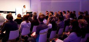 """Essener LK-AG bietet vier Stunden geballtes Wissen: Seminar """"Licht, Medien & Markenkommunikation im digitalen Raum"""""""
