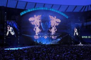XL Video auf Tour mit Robbie Williams