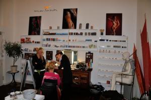 Atelier Muschka eröffnet Schminkladen