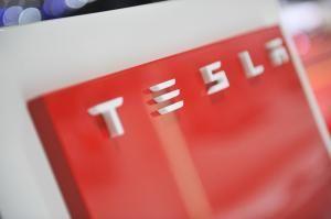Messebau Keck konzipiert Markenauftritt für Tesla