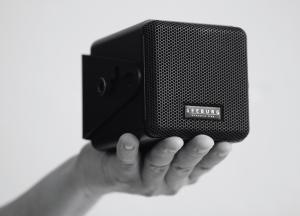 GAHRENS + BATTERMANN entwickelt mit Seeburg acoustic line das Minilautsprechersystem i4