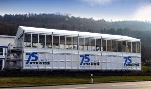 Jubiläum und Hausmesse bei Bitzer - Losberger liefert Doppelstockzelt