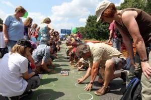 commotion inszeniert Total auf A 40 Still-Leben Ruhrschnellweg