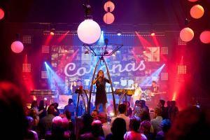 "Musikwünsche per Anruf: Das faszinierende Live-Entertainment der Band ""De Coronas"""