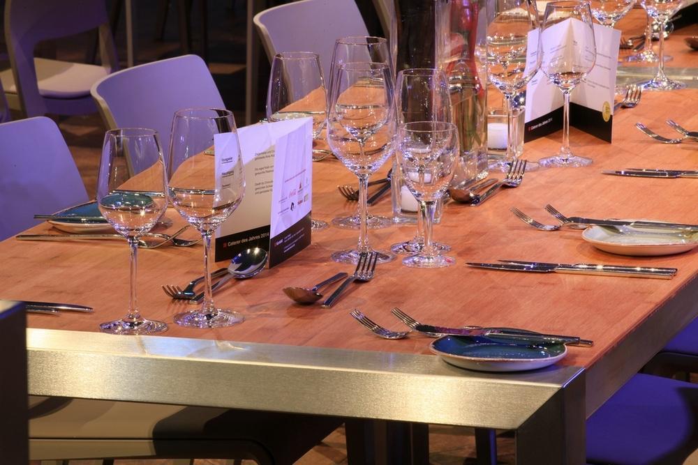 Party Rent präsentiert modulares Tischkonzept