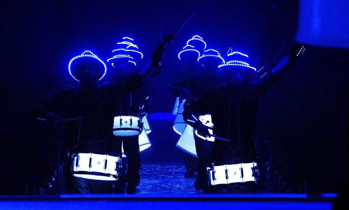 Light Drummers erleuchten die Celebrity Fight Night