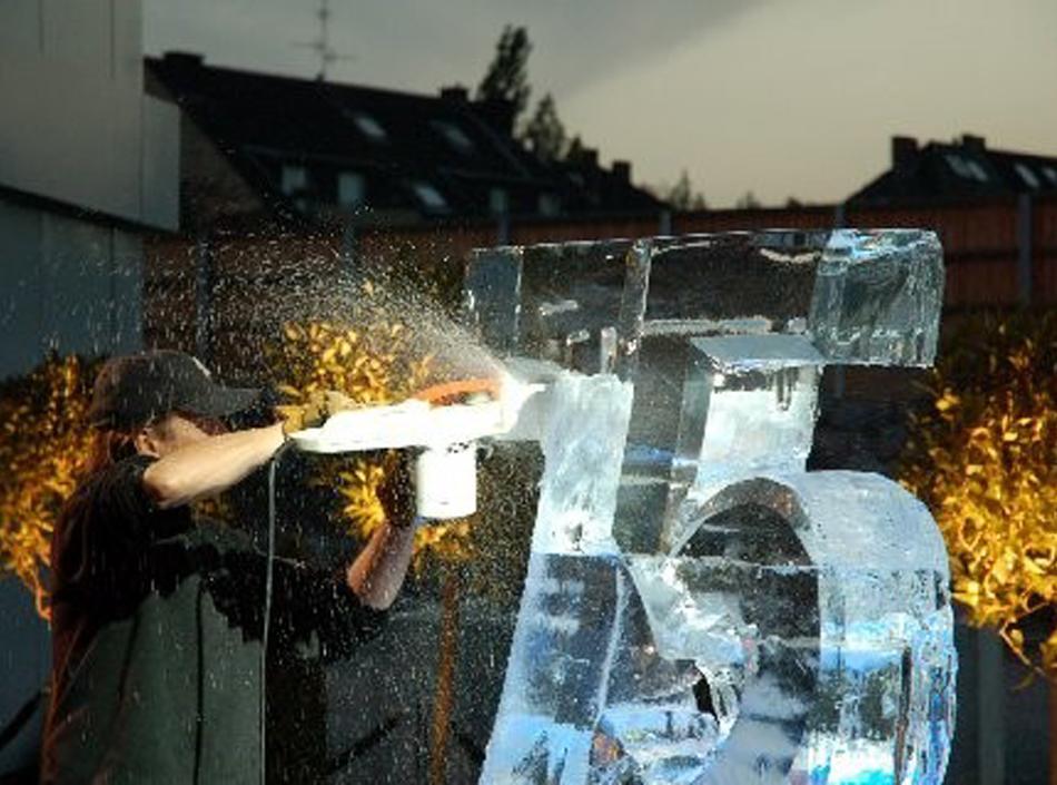 Eisskulpturen selbst designen – Erfrischendes Teambuilding