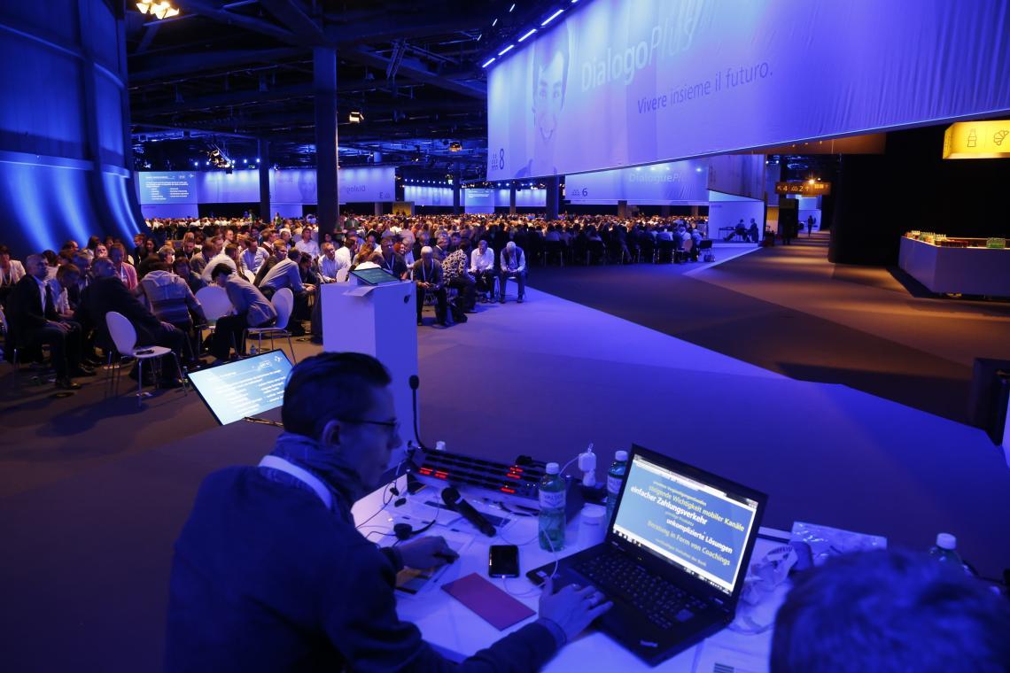 Vom Suchen und Finden des Dialogs: Für das eindrucksvolle Strategie-Event DialogPlus setzt Raiffeisen Bank auf Riedel